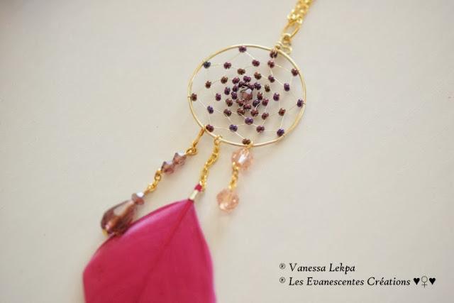 bijoux contemporain ethnique en plume naturelle rose fuschia fait main creation unique