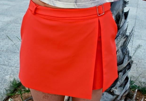 short naranja falda