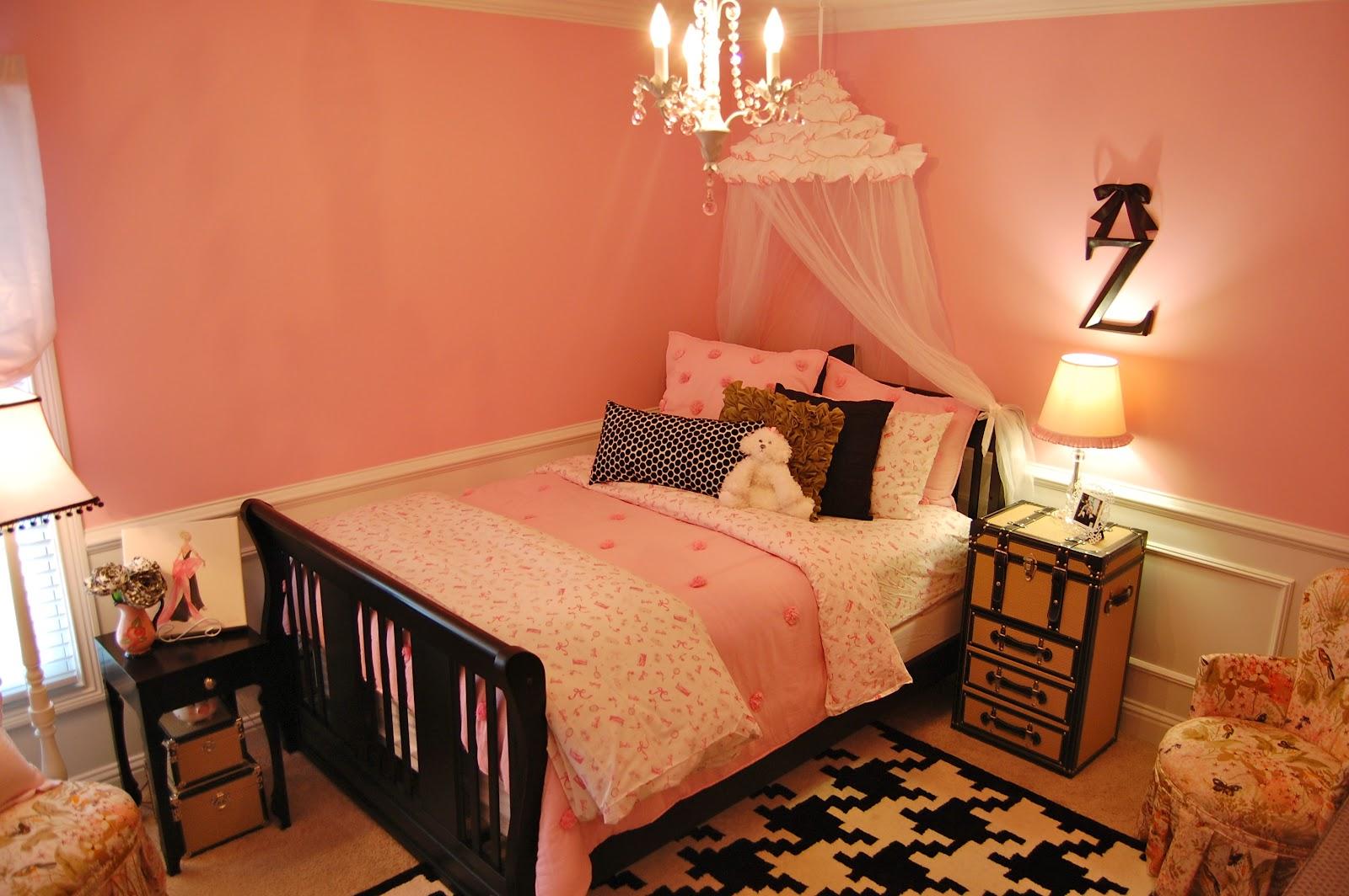 Shinedesign Vintage Barbie Girls Room