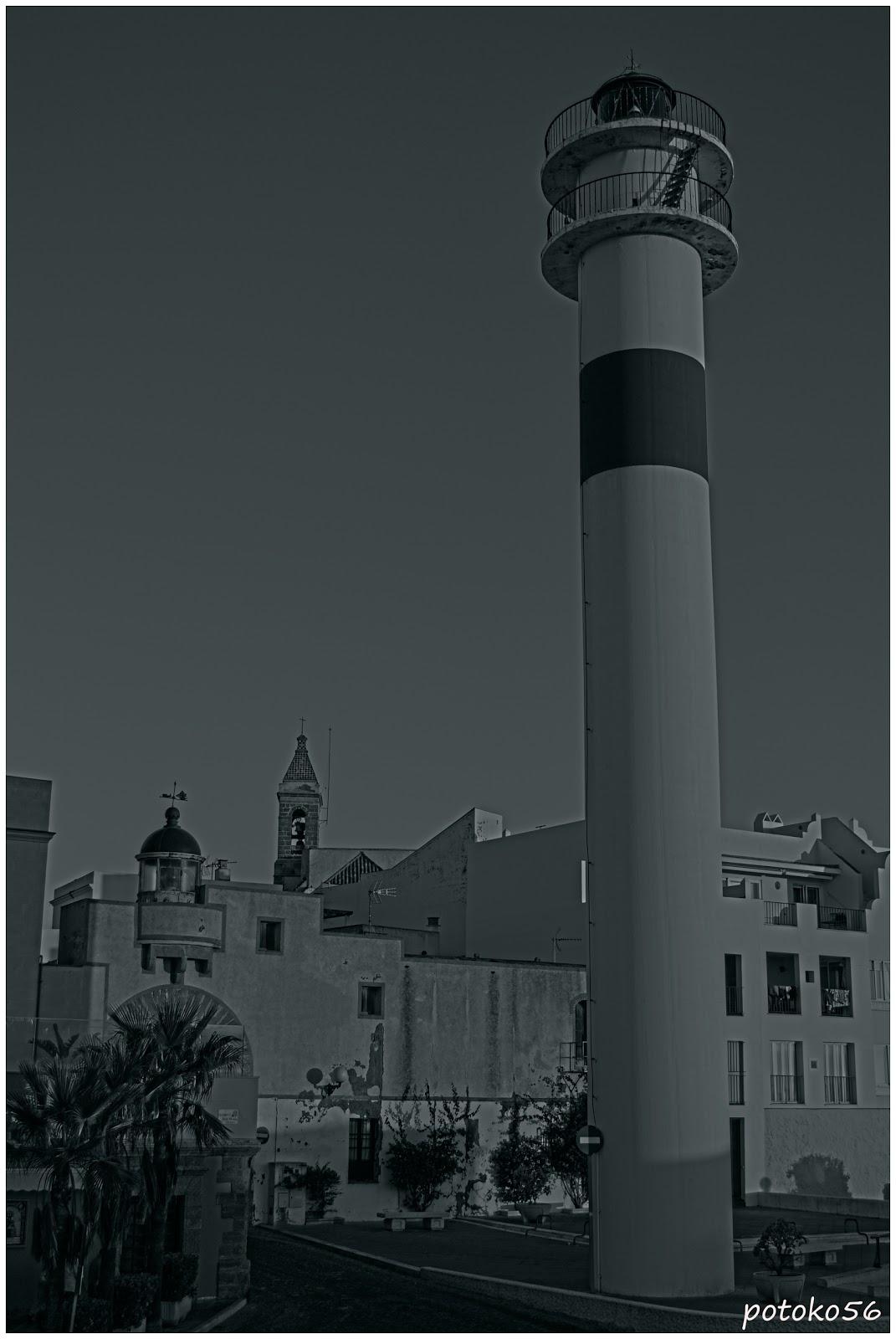 Faro antiguo y moderno