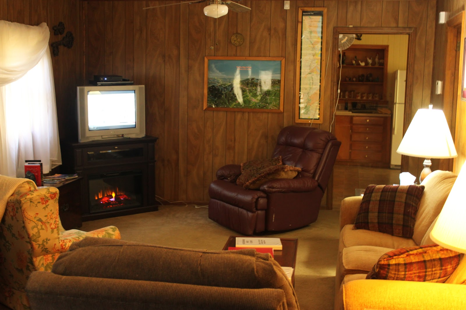 brown mountain lodge and creekside cozy cabin rentals pet