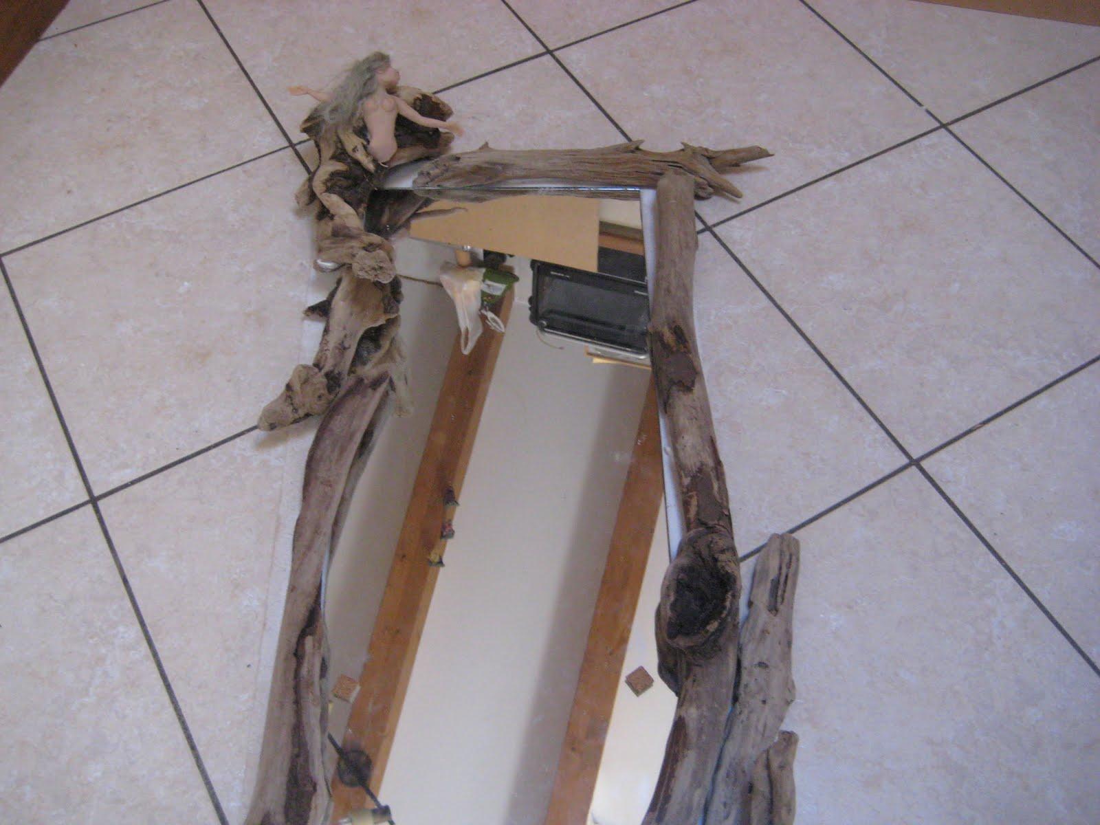 Il piccolo mondo antico anteprima specchio delle fate for Specchio antico piccolo