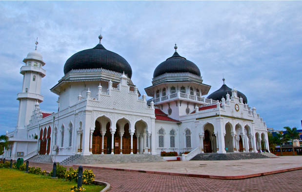 Sejak agama dan kebudayaan Islam memasuki Indonesia 6 Peninggalan Sejarah Islam di Indonesia beserta Gambarnya