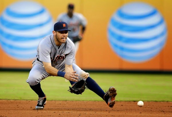 Kinsler finally gets award for his leather, a Wilson Defensive Player of the Year award