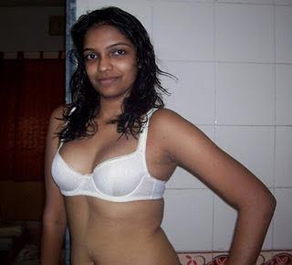 Mallu Chechi Pooru