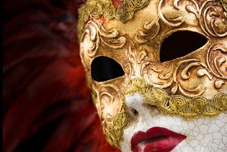 Durante el Carnaval de Venecia todo el mundo usa máscaras, ya que son ...
