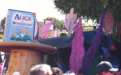 Alice Wonderland Disneyland ride Fence Rails Railing Fencing leaves