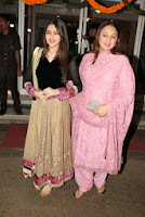 Rani, Dharmendra & celbs at Dilip Kumar's birthday celebration