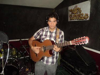 Cesar Morkee- Grupo Destino Piedras