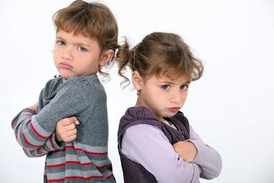 التمييز فى المعاملة بين الابناء داخل الاسرة...يزرع الغيرة بينهم - اطفال يغارون يغيرون غيرة - kids jealous jealousy