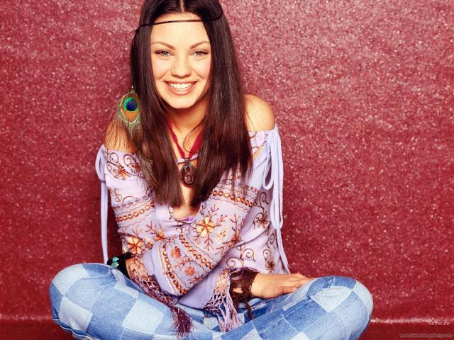 Actress Wallpaper-Mila Kunis