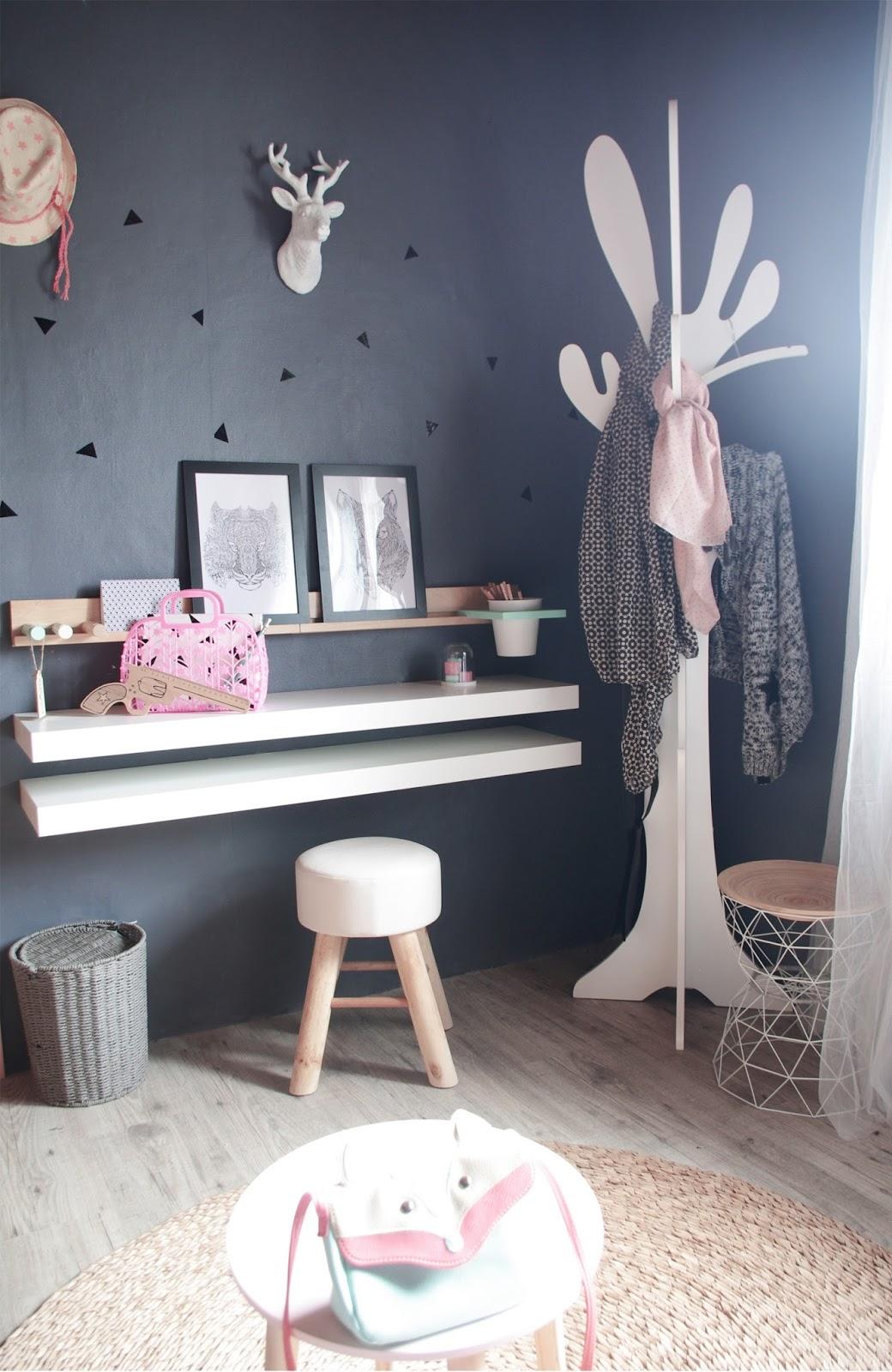 chez cette fille son coin bureau. Black Bedroom Furniture Sets. Home Design Ideas