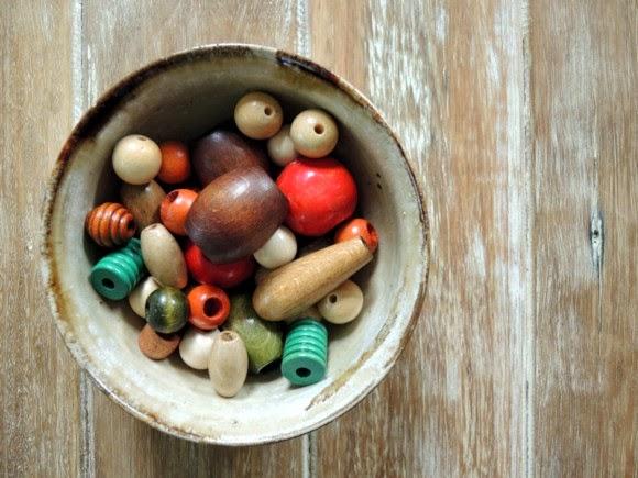 katiecrackernuts.blogspot.com || bowl of wooden beads