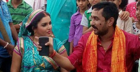 Amrapali Dubey and Sanjay Pandey on the Set of Bhojpuri movie Raja Babu Photos