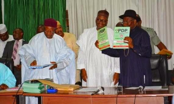 Photos: President Goodluck Jonathan picks up PDP Nomination form 1