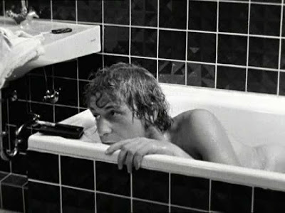 Wenders. Alice in the Cities. Fear bathtub scene 2