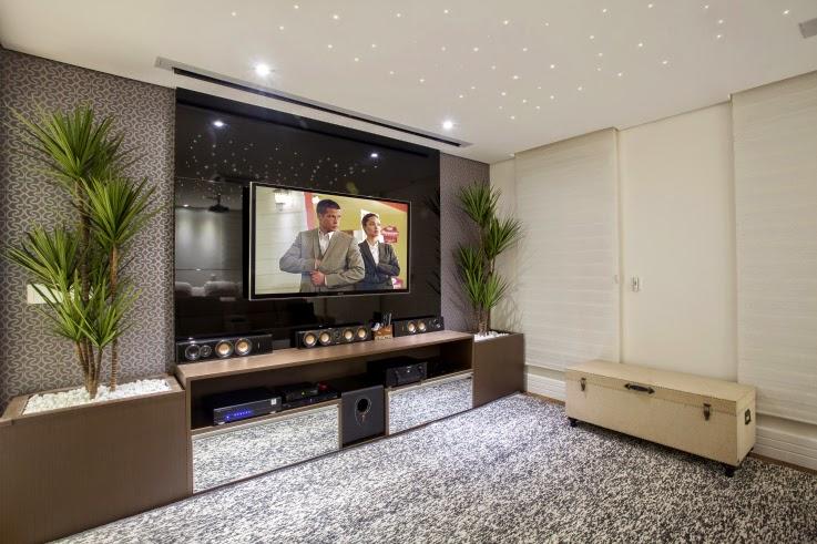 Sala De Tv Com Projetor ~ home theater com tv e tela de projeção embutida no forro de gesso