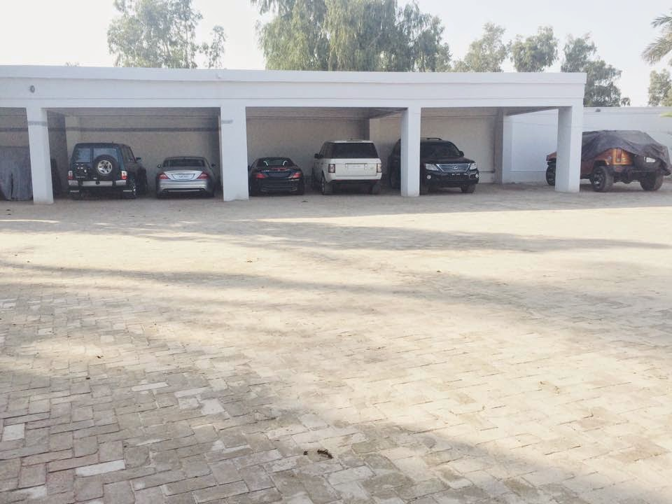 Garage with Cars