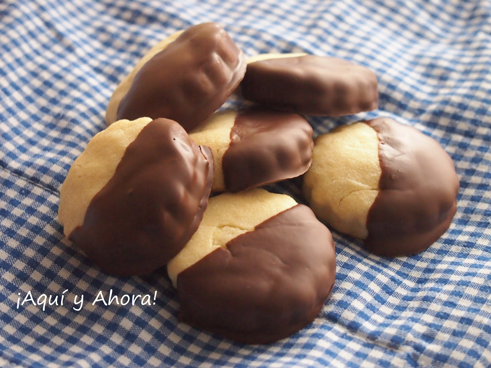 Baño Blanco Para Galletas:Galletas de limón con baño de chocolate negro Reto 'Alfabeto Dulce'