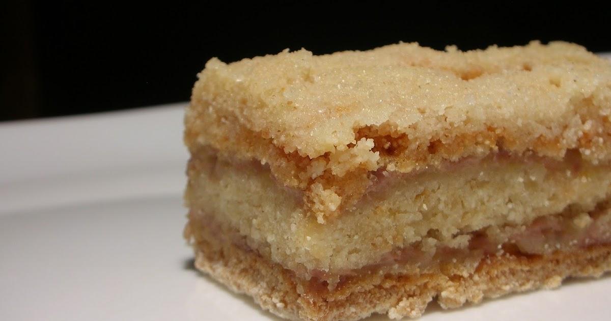 Easily Good Eats: Easy Layered Banana Semolina Cake Recipe