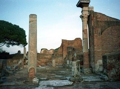 Ostia Antica: luoghi di culto e Sinagoga visite guidate Roma 19/05/2013