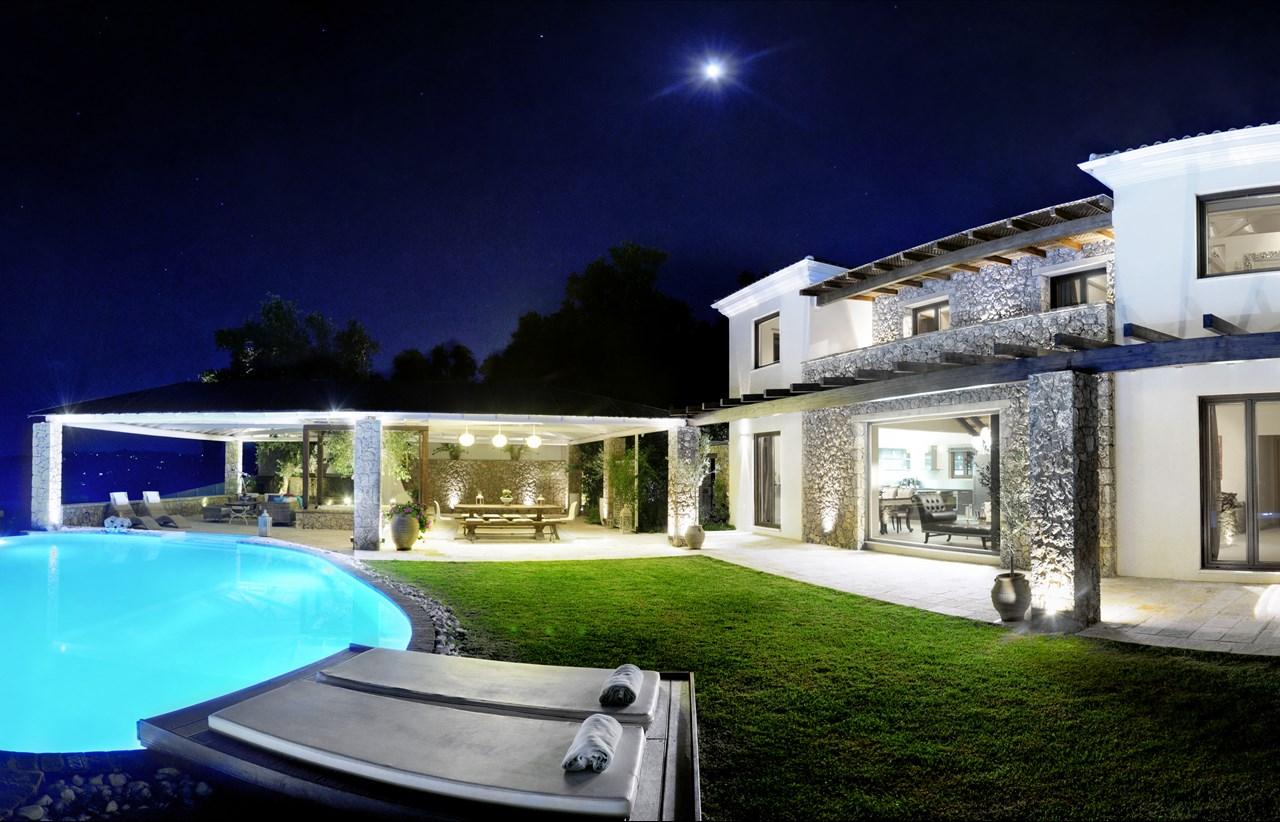 Luxury villa in corfu villa di lusso a corfu blog for Ville moderne di lusso