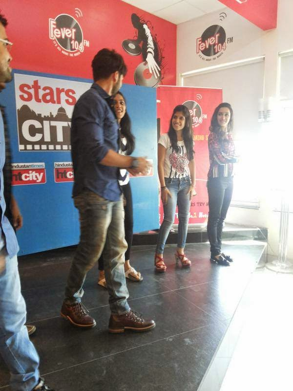 Shahid Kapoor with Shraddha Kapoor at Delhi stars in the city