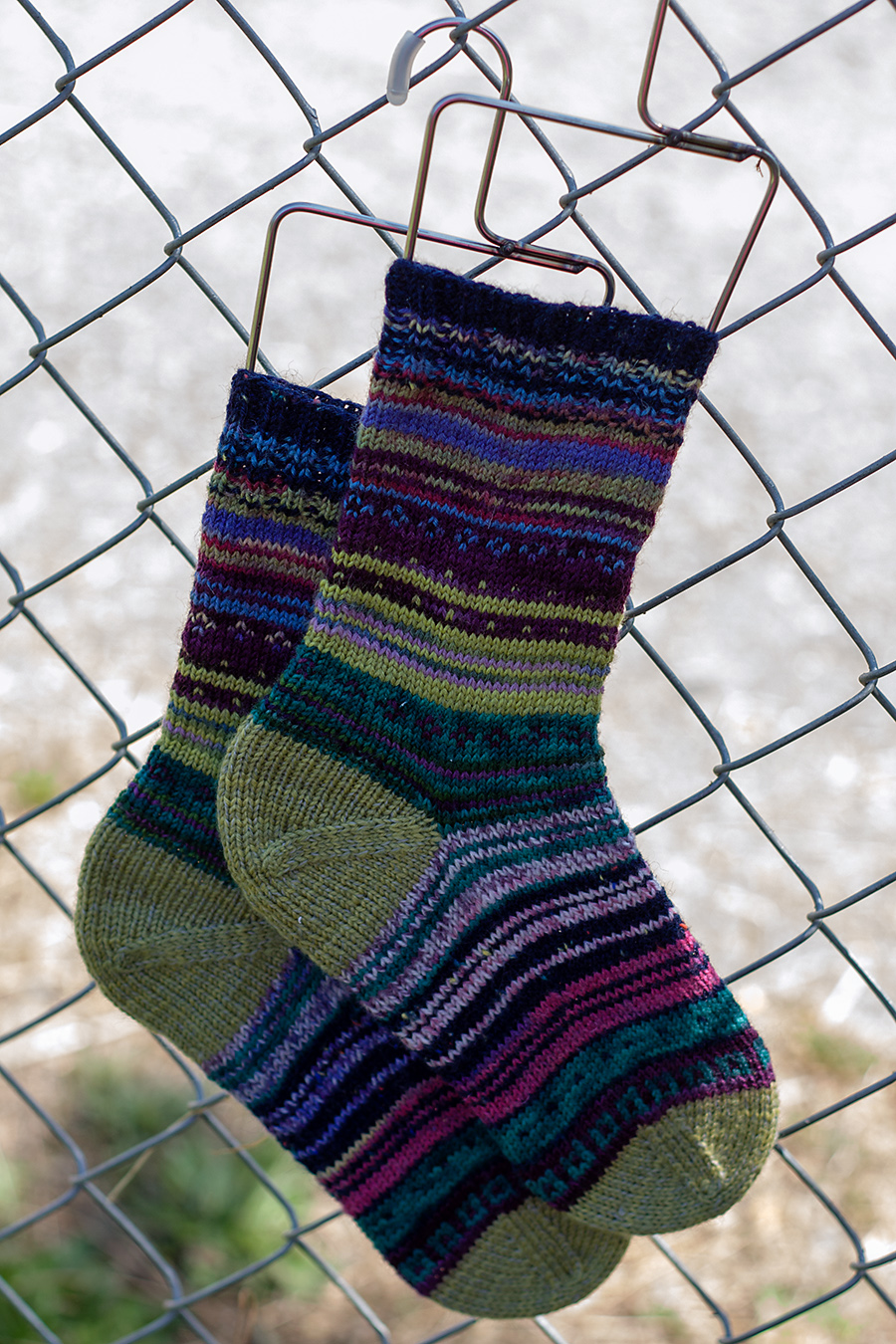 Chicken soup designs colorful patchwork socks a free pattern if you enjoy scrappy socks and want to knit up a couple pairs of your own ive written a simple pattern for these socks that you are free to download bankloansurffo Image collections