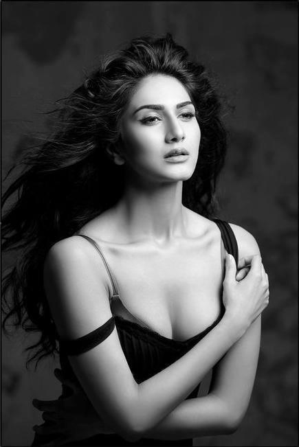 Vaani Kapoor Shudh Desi Romance Girl Spicy Black and White Modeling Portfolio Pics