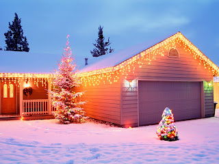 Free Download Christmas House Decorations Wallpaper