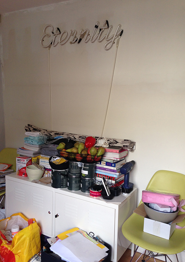 Messy kitchen before makeover