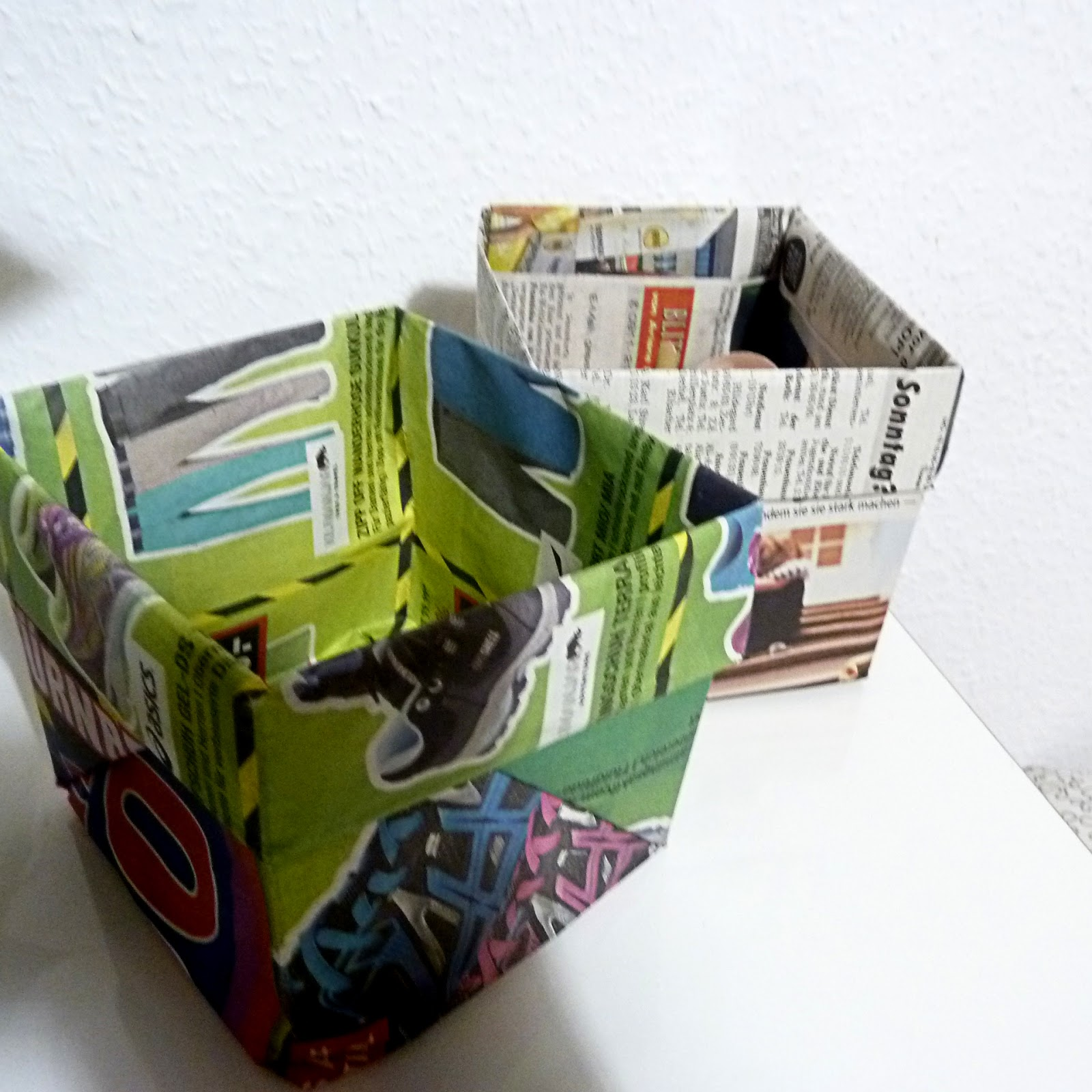 blaubeerland plastikfrei teil 1 recycelter bioabfalleimer aus zeitung. Black Bedroom Furniture Sets. Home Design Ideas