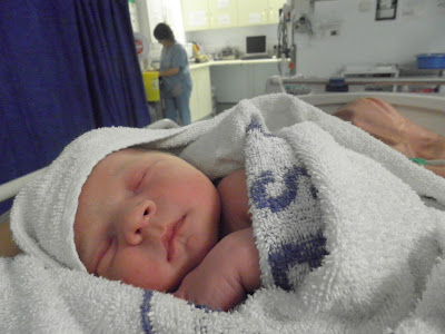 newborn baby boy, 1 hour old baby, 8lb 10oz baby