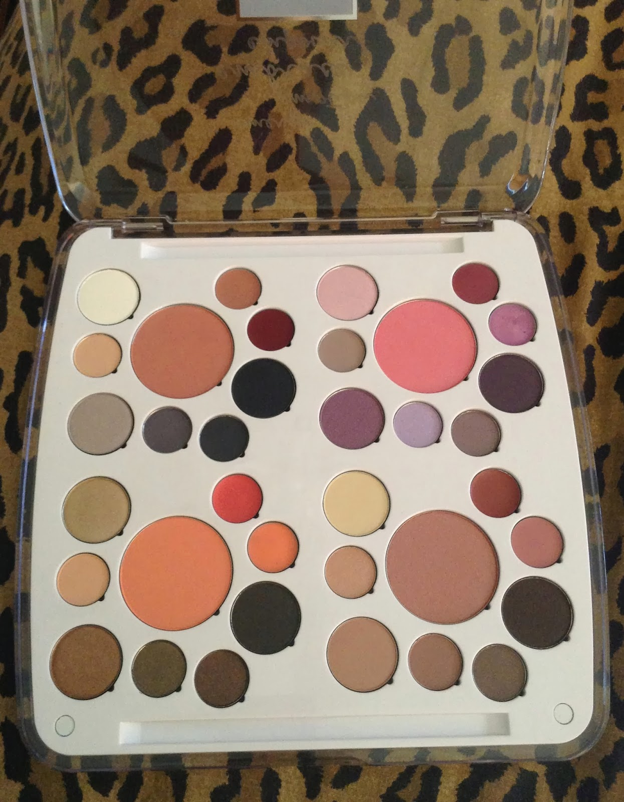 strawberryxjammie em cosmetics by michelle phan career life this is the em cosmetics life palette in career life