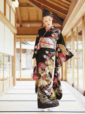 Motif dan Pola Baju Kimono Jepang