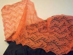 TE KOOP: grote zalm donker/oranje shawl