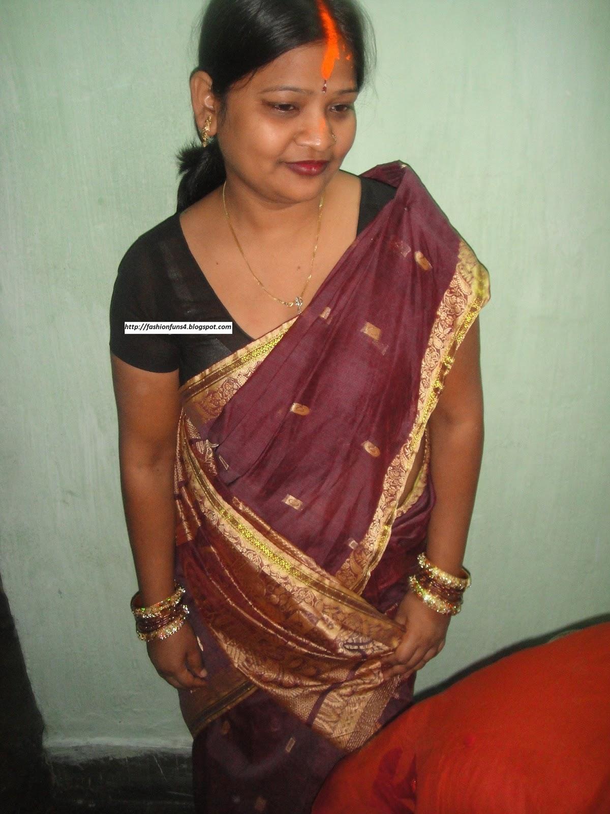 Real Life Kerala Desi Aunty In Bra Photos