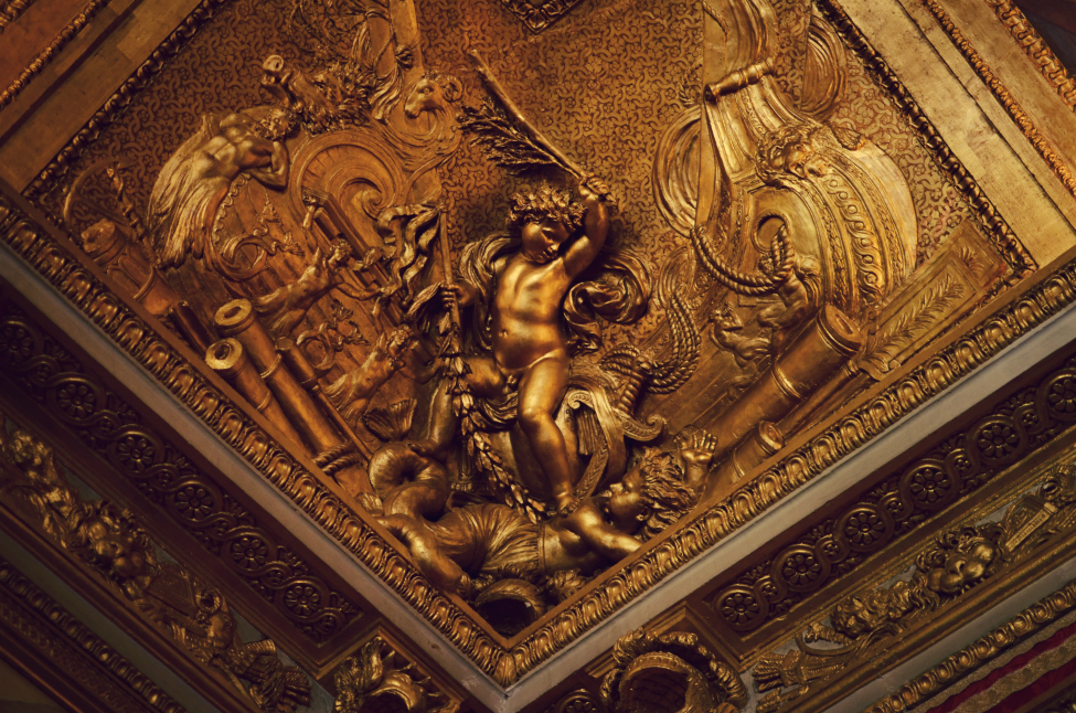 roof decorations at the chateau de versailles