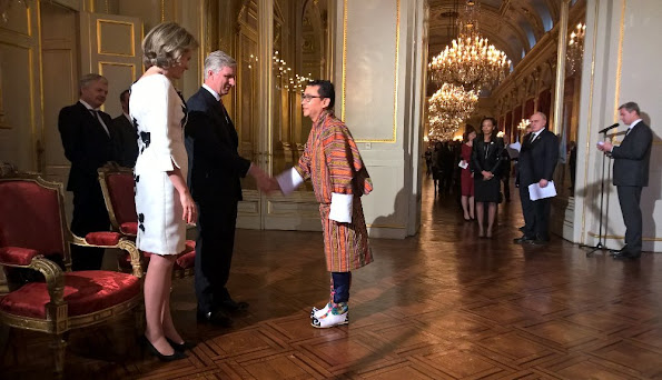 King Philippe and Queen Mathilde of Belgium hosted a reception at the Royal Palace in Brussels Quenn Mathilde dress stylebop jeweler natan dress