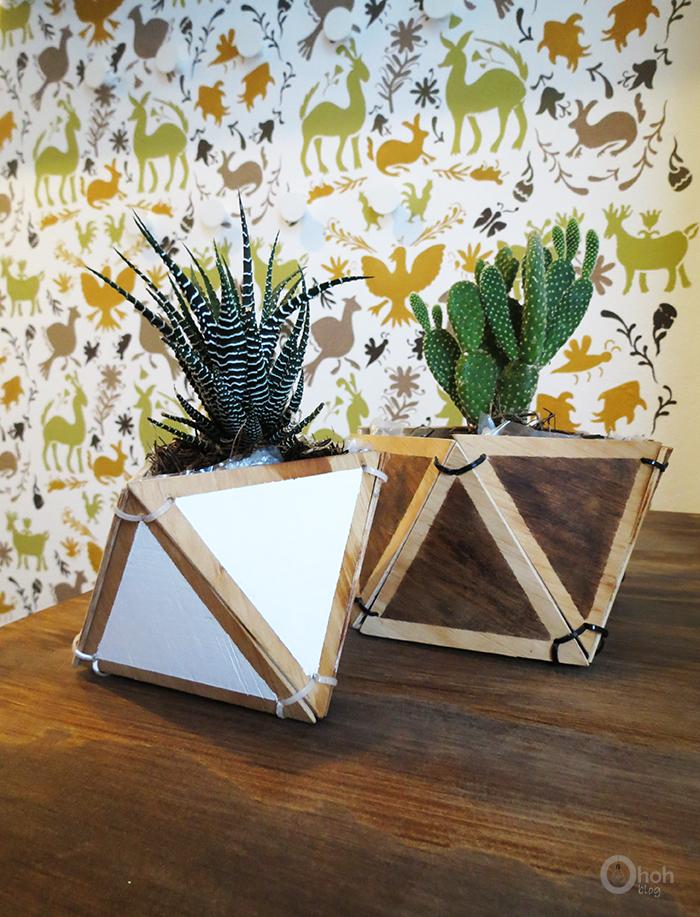 http://www.ohohdeco.com/2015/04/diy-geometric-planter.html