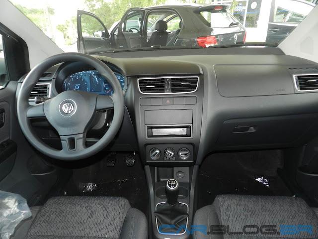 VW Fox 1.0 2013 - Trend - Prata Sargas - Painel
