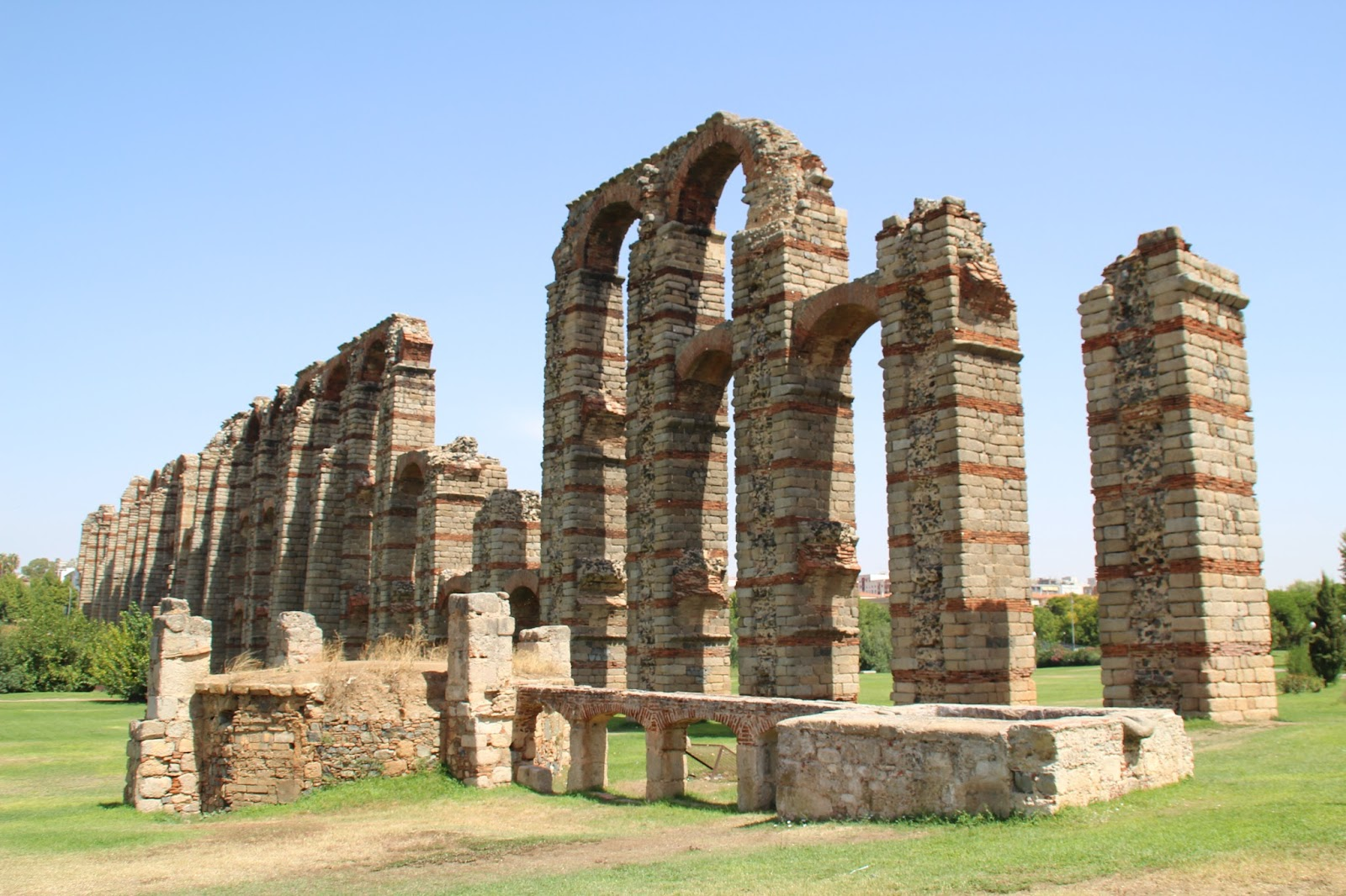 ANTROPOLOGÍA Y ECOLOGÍA UPEL: Cultura Romana - Acueducto de los Milagros