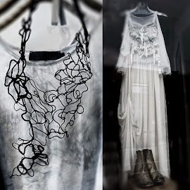 Fresh attitude! Maria Calderara unstructured necklace. Designer sheer layered dress.