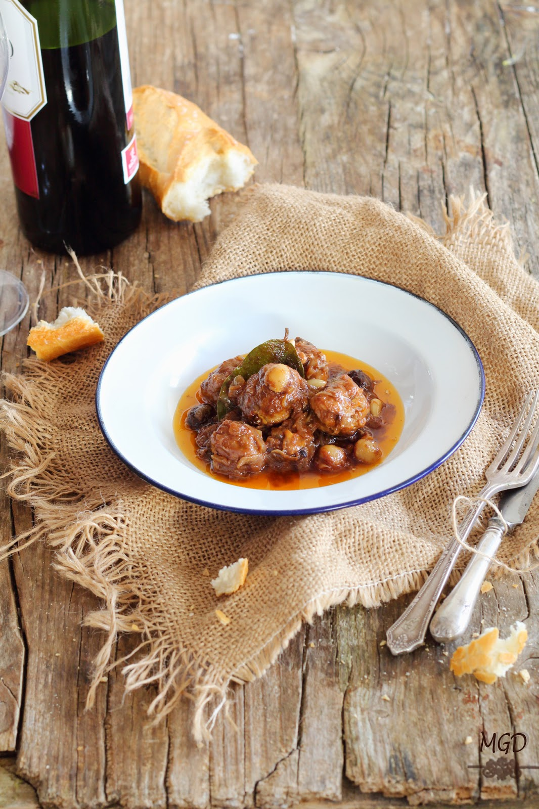 Albóndigas de setas con salsa de frutos secos migrandiversion