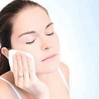Cara membersihkan wajah yang benar