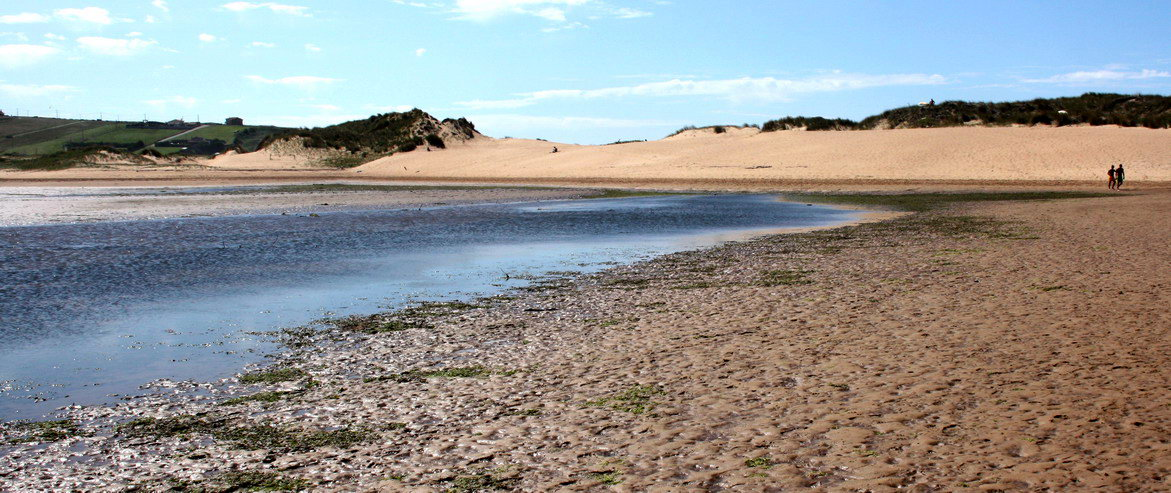 Playa nudista Ría de Mogro (Cantabria)