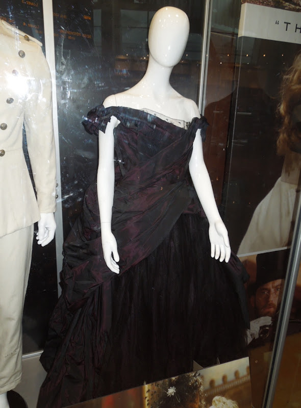 Keira Knightley Anna Karenina gown