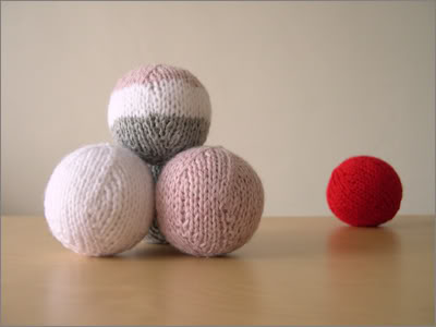 anna knits, etc.: knitting, etc. - knit sphere