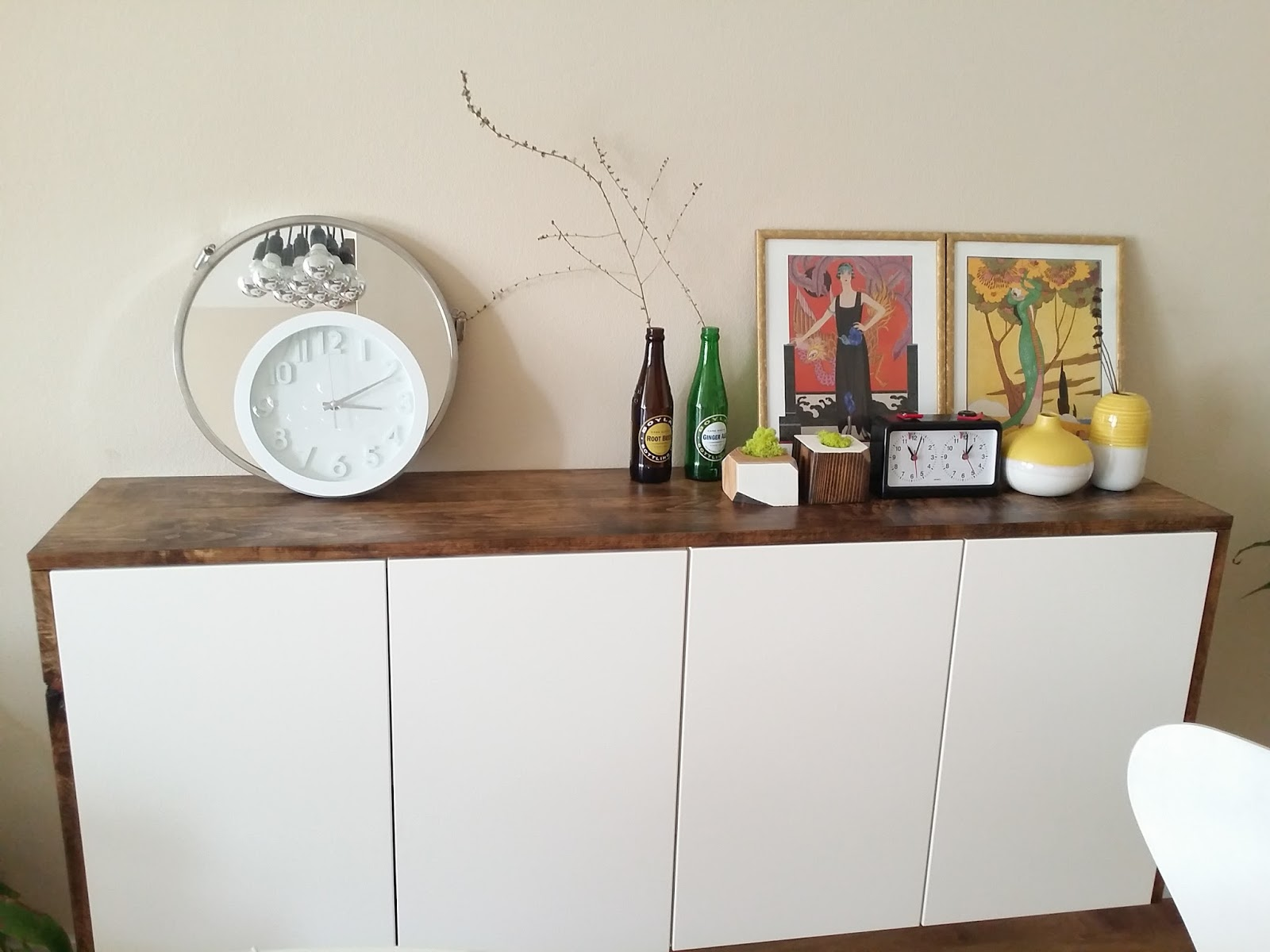 Akurum floating credenza ikea hack toolsandrags for Ikea credenze