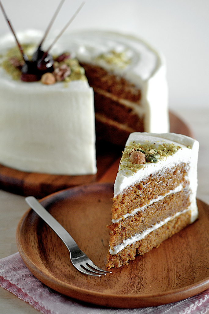 lamb & blonde: Recipe: Carrot Cake with Maple Cream Cheese Frosting